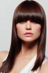 coupe femme cheveux longs frange droite très lisse
